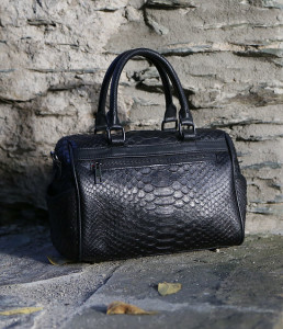 The Black well Purse